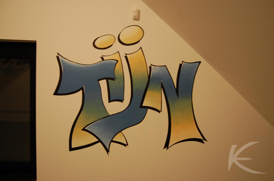 Muurschildering Naam Tijn in graffitistijl