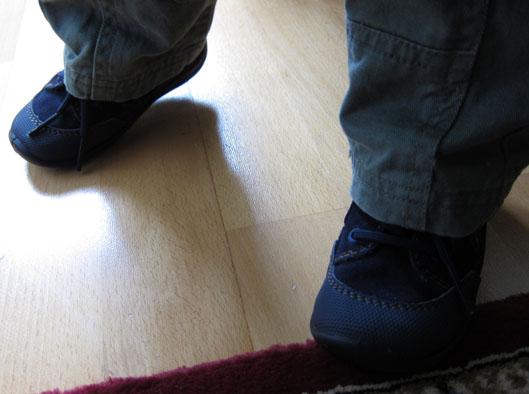 Kenkien saapumispäivänä sovittamisen jälkeen niitä ei saanut ottaa pois  jalasta 9a9334b6e0