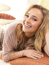 Natural Beauty... Love her movies!