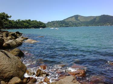 Vista da trilha, entre a praia do Perequê Mirim e Santa Rita