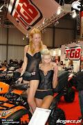 Bikes & Babes Buzz at EICMA 2009 (targi mediolan dziewczyny)
