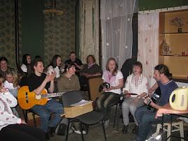 """Співаємо разом народні пісні у """"літературній кав""""ярні"""""""