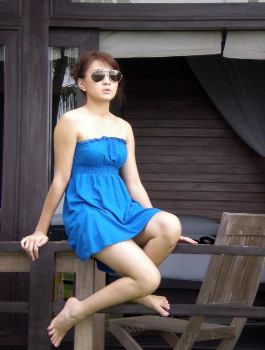 Myanmar Pretty New Face Model, Aye Myat Thi Han with Sexy