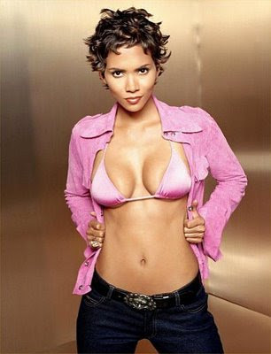 images of halle berry hairstyles. Halle Berry once again looks