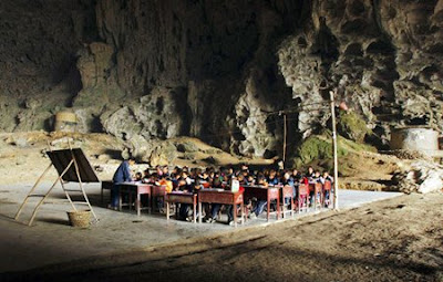 chinese-cave-school