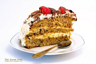 Tort cu crema mascarpone si capsuni
