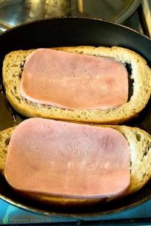 Ochiuri in paine