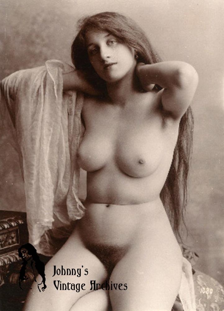 Vintage Nude Lady 38