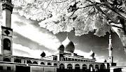Sketsa Masjid Hitam-Putih