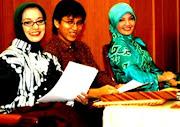 MES, Trio Pembawa Acara Masyarakat Ekonomi Syariah, 2009, Marissa Haque, Gunawan, Ratih Sang.