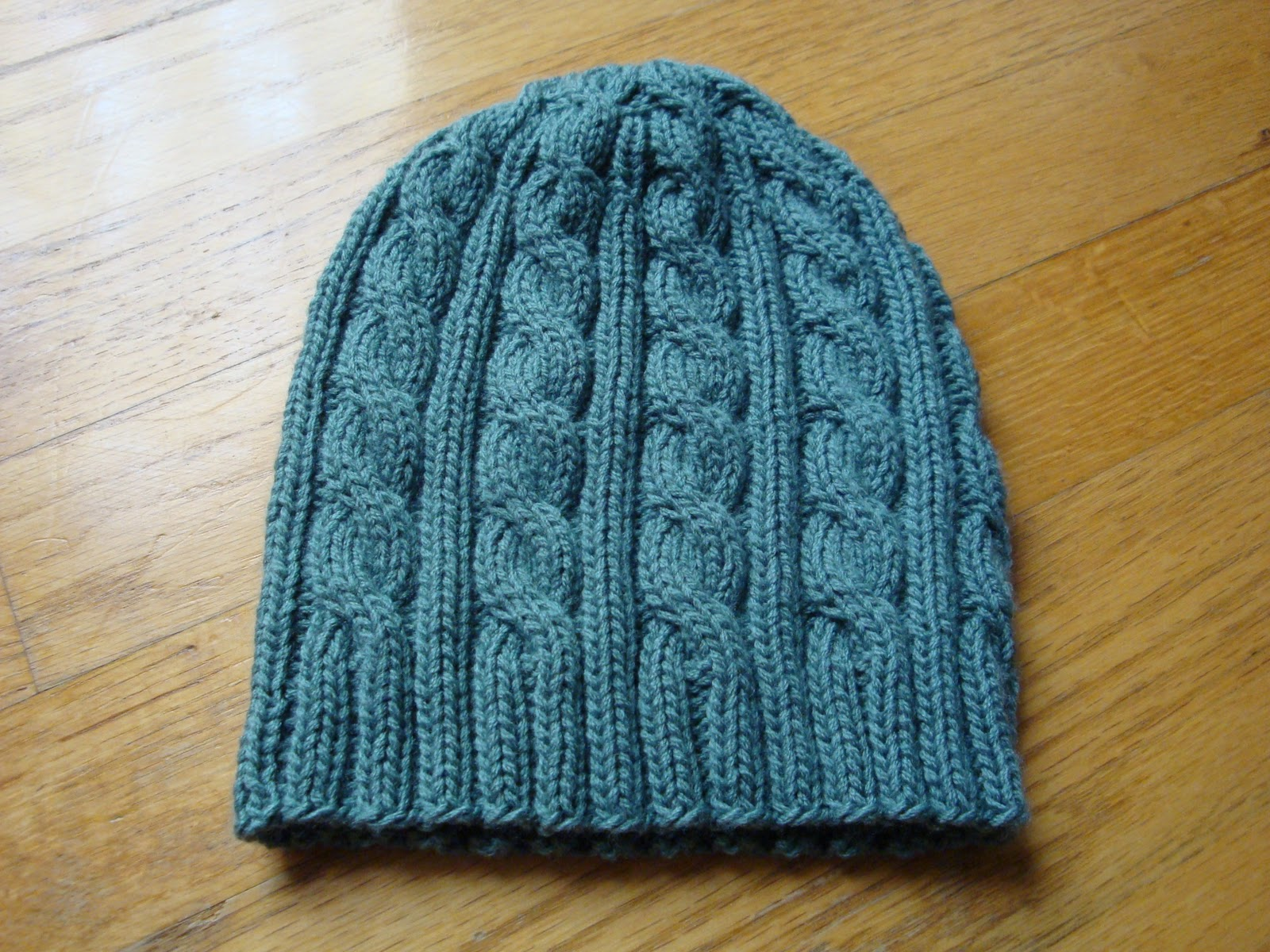 Free Knitting Patterns For Hats In The Round : Kims Knitting Korner: November 2010