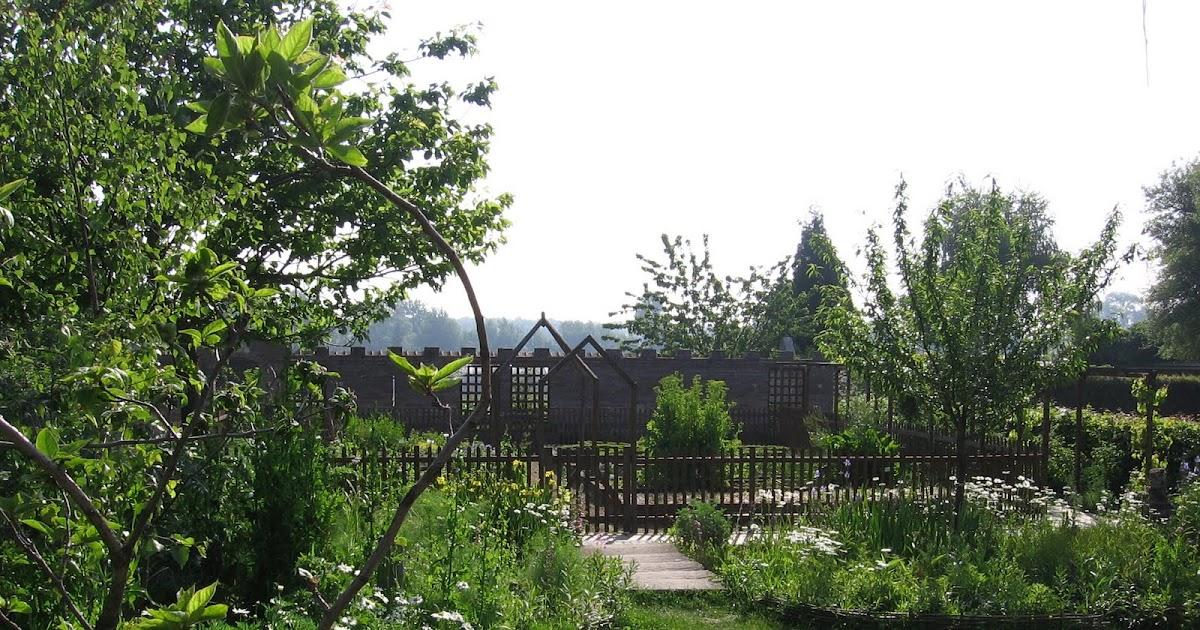 Jardin d 39 esprit m di val du lyc e agricole de douai wagnonville pr sentation du jardin for Jardin hildegarde