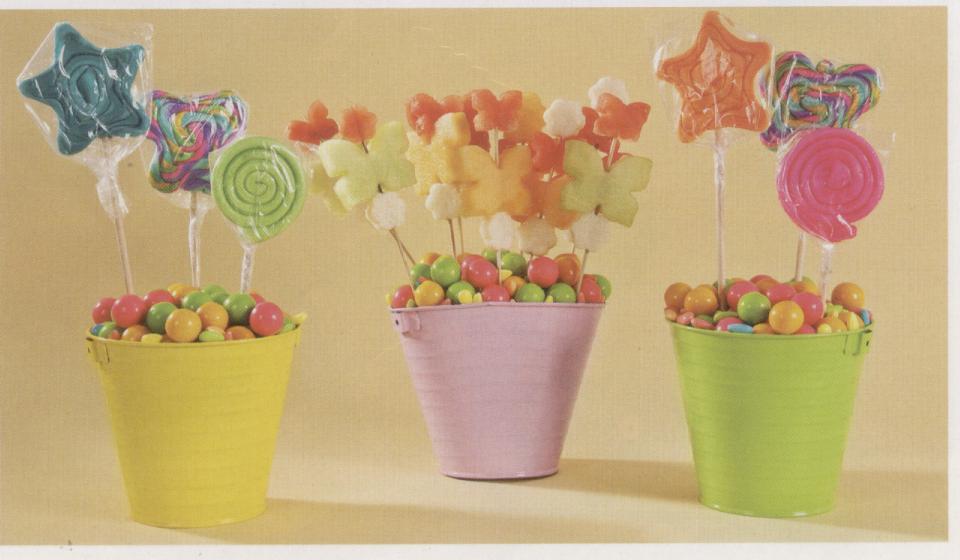 Cubetas De Frutas Y Dulces