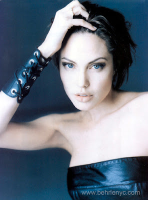angelina-jolie-in-leather