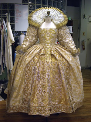 elizabethan-dress