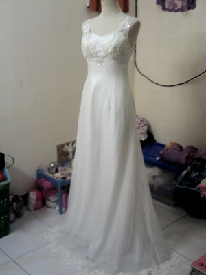 Payet Gaun Pesta: Gaun Pengantin Backless Broken White