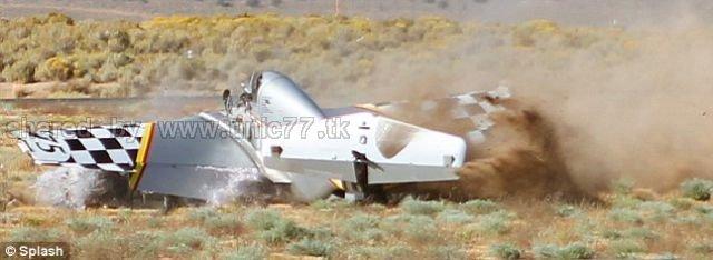 http://3.bp.blogspot.com/_EHi0bg7zYcQ/TJq-2d8pPCI/AAAAAAAAFYo/veciuJZzJ3o/s1600/spectacular_crash_and_640_07.jpg