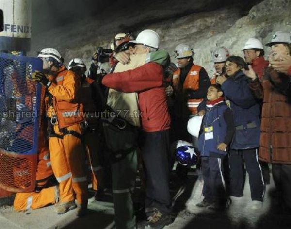 http://3.bp.blogspot.com/_EHi0bg7zYcQ/TLkxoQ1KIPI/AAAAAAAANs0/s9uxNRxTjJ4/s1600/amazing_rescue_after_640_17.jpg