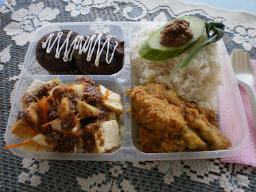 LA LUNCH BOXS.by CHEF LINA AZMAN JOHARI