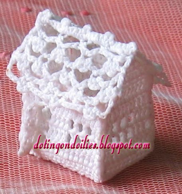 مجسم بيت صغير بالكروشية ورشة ديكورات كروشية بغرزة البيكو اصنعي الكوخ