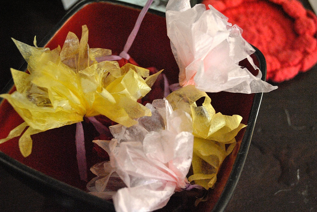 paper flowers craft. make tissue paper flowers?