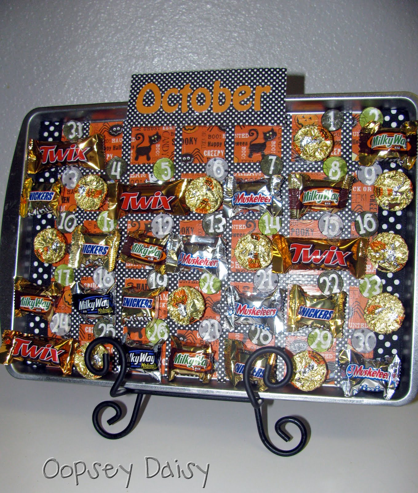 Advent Calendar Ideas Not Chocolate : Halloween advent calendar tutorial download oopsey daisy