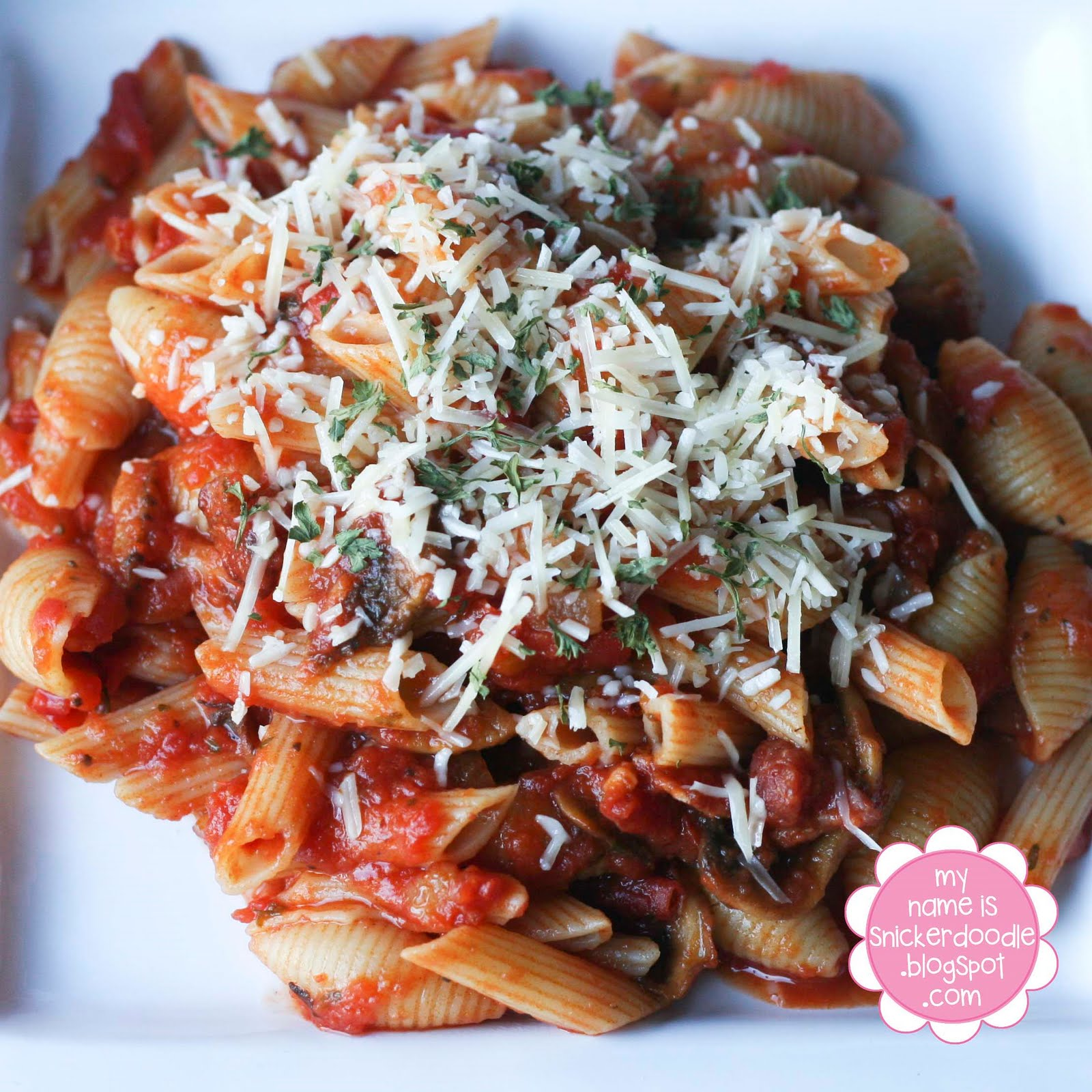 Pasta with Bacon, Mushroom Tomato Sauce