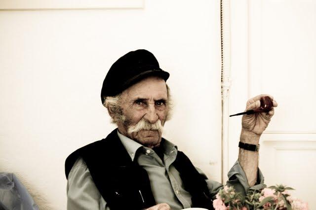 Alerta de saúde para idosos e idosas