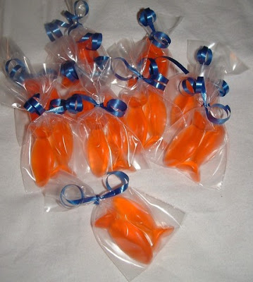 One fish two fish a goldfish themed birthday party for Fish party supplies