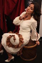 Vestido en algodón y seda con volante de caracol