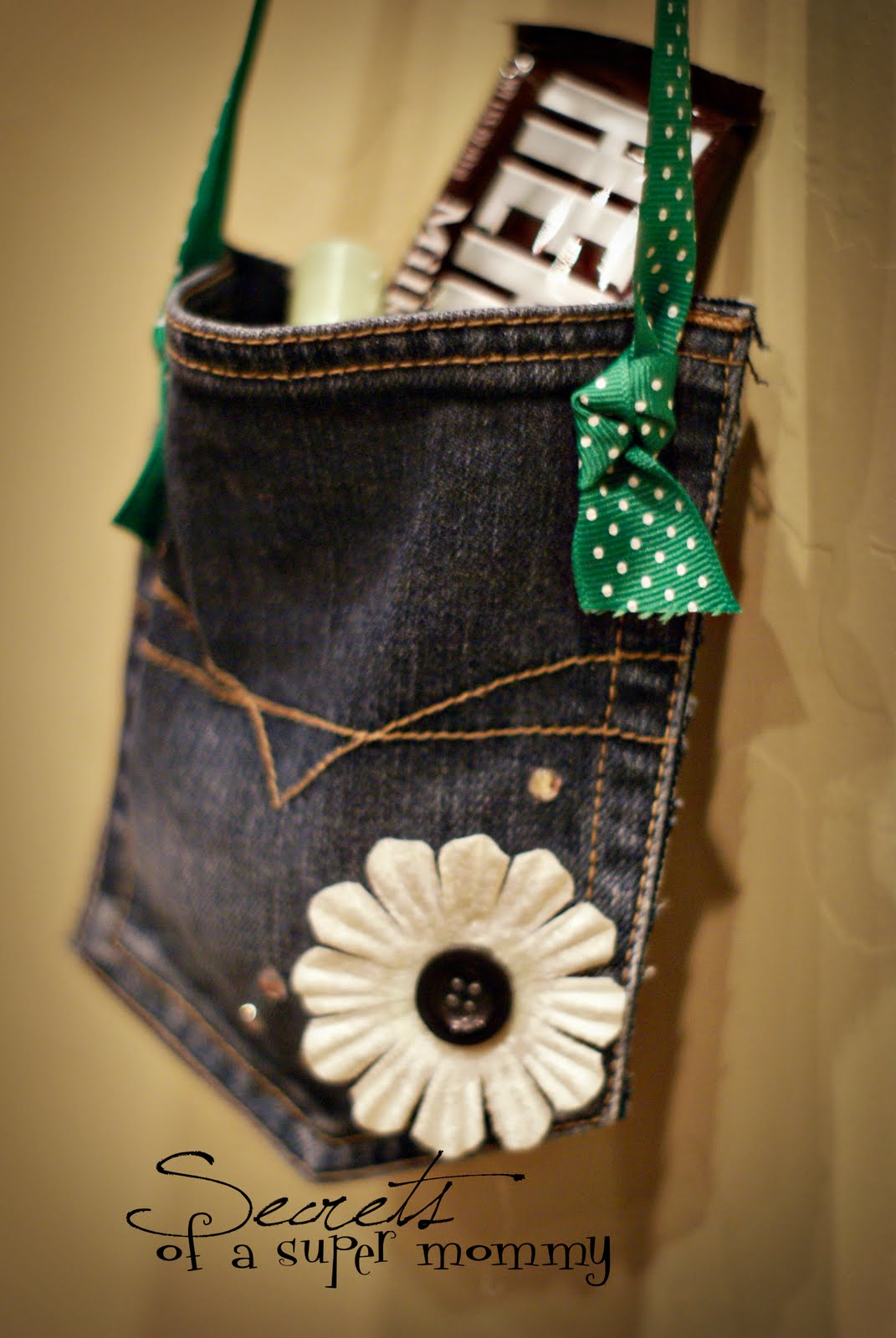 Secrets of a Super Mommy: Four Fun Ways to Reuse Old Jeans!