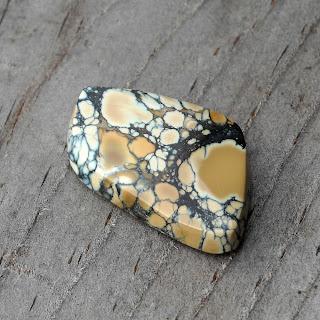 yellow variscite