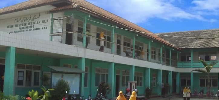 Gedung MTs.Persis 3 Pameungpeuk