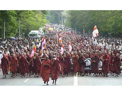 monks at Yangon demonstration