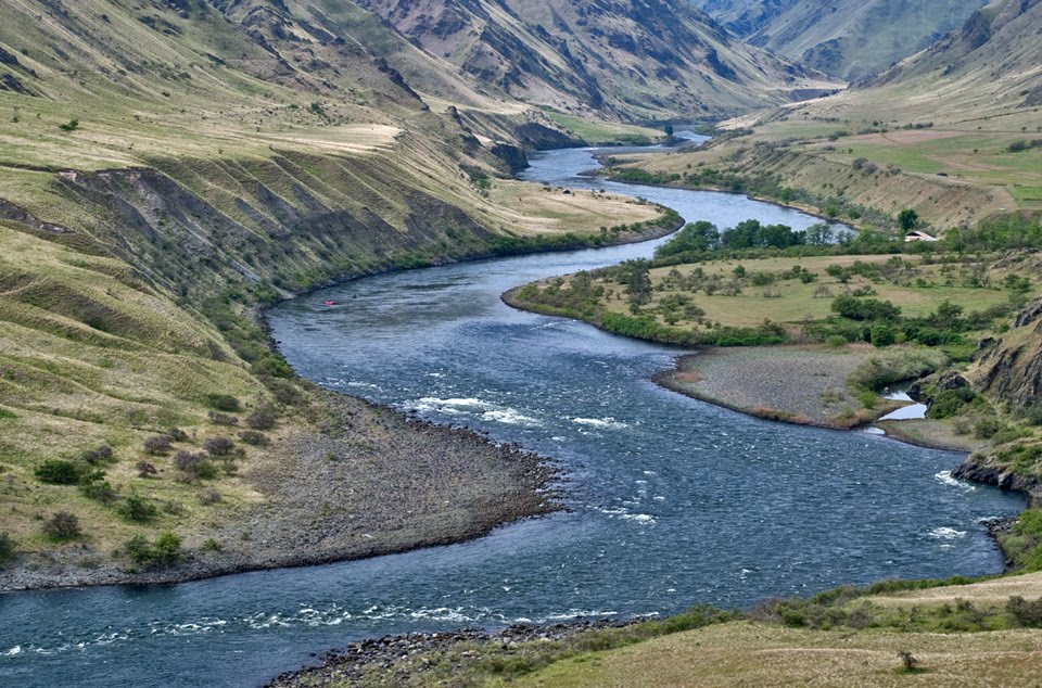 Discover glacial lake missoula lake bonneville and the ice age floods view upstream from suicide point in hells canyon huge gravel bars terraces created during bonneville flood click any image to expand publicscrutiny Choice Image