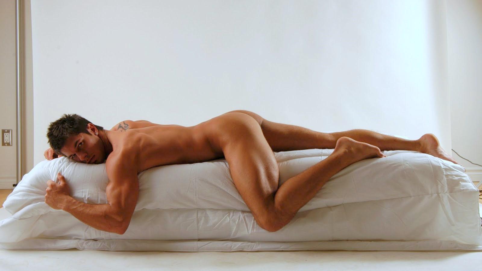 Эротика мужики голые, Голые парни: порно видео онлайн, смотреть порно на 6 фотография