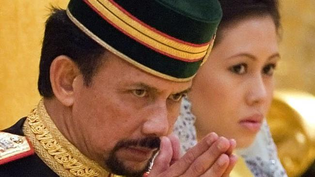 Sultan of Brunei Divorced his 3rd wife Azrinaz Mazhar Hakim