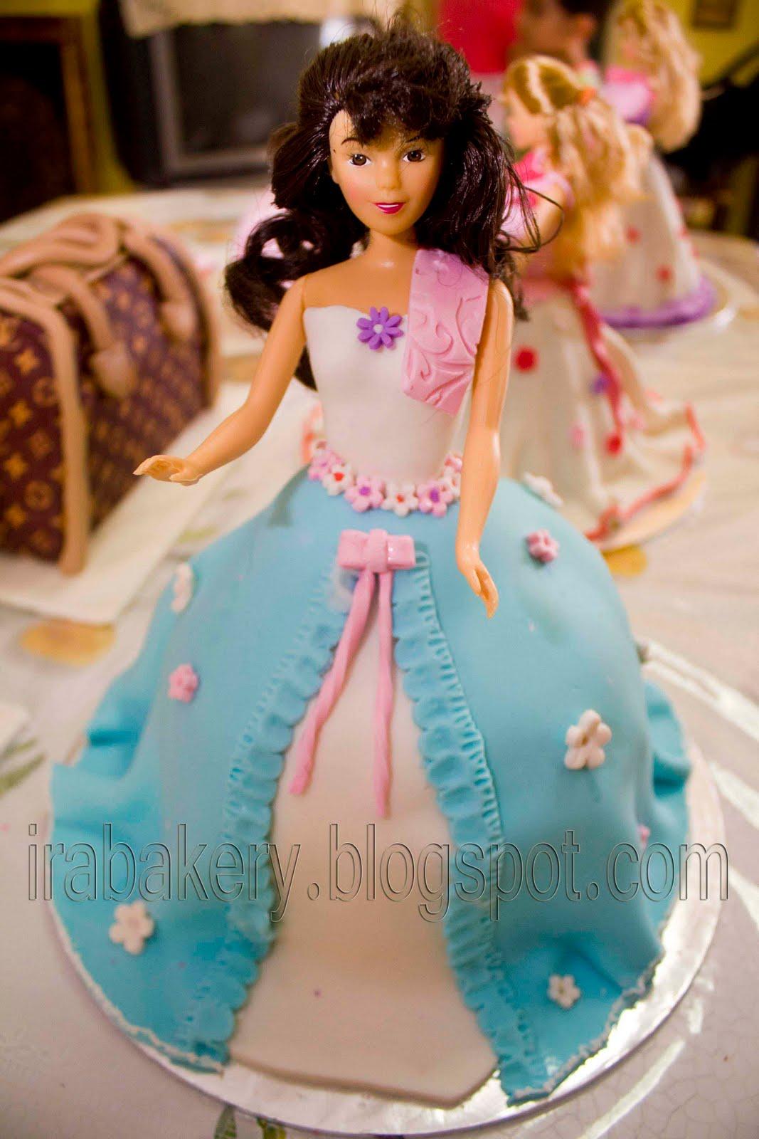 Decoration Of Barbie Cake : Deco Cakes, Cupcakes, Cheese cake & Kek Lapis Sarawak in ...