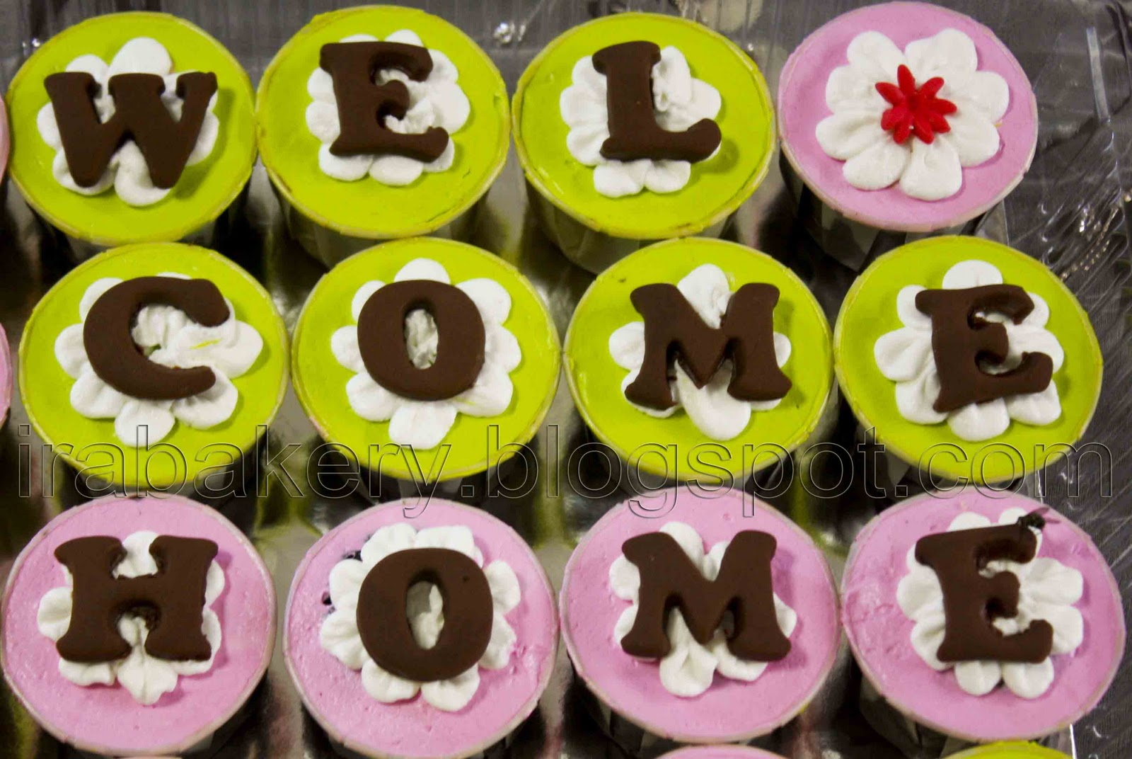 welcome home cupcakes design