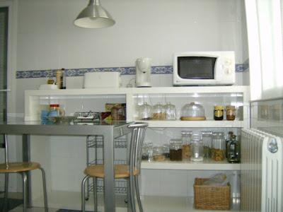 Mesa auxiliar de cocina mi llave allen for Mesa auxiliar de cocina para microondas