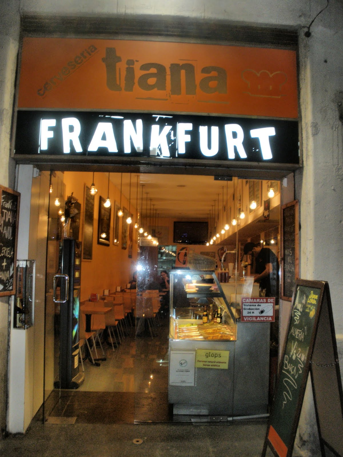 Observaci n gastron mica tiana frankfurt barcelona for Vaciado de locales en barcelona