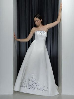 فساتين زفاف رقيقه 2013 - فساتين زفاف رقيقة 2012 - اجمل فساتين الزفاف الرقيقة 2012 17.jpg
