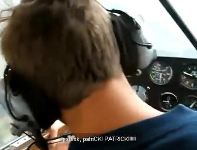 patrick-piloto-finge-un-desmayo-en-pleno-vuelo-broma-pesada-humor.jpg