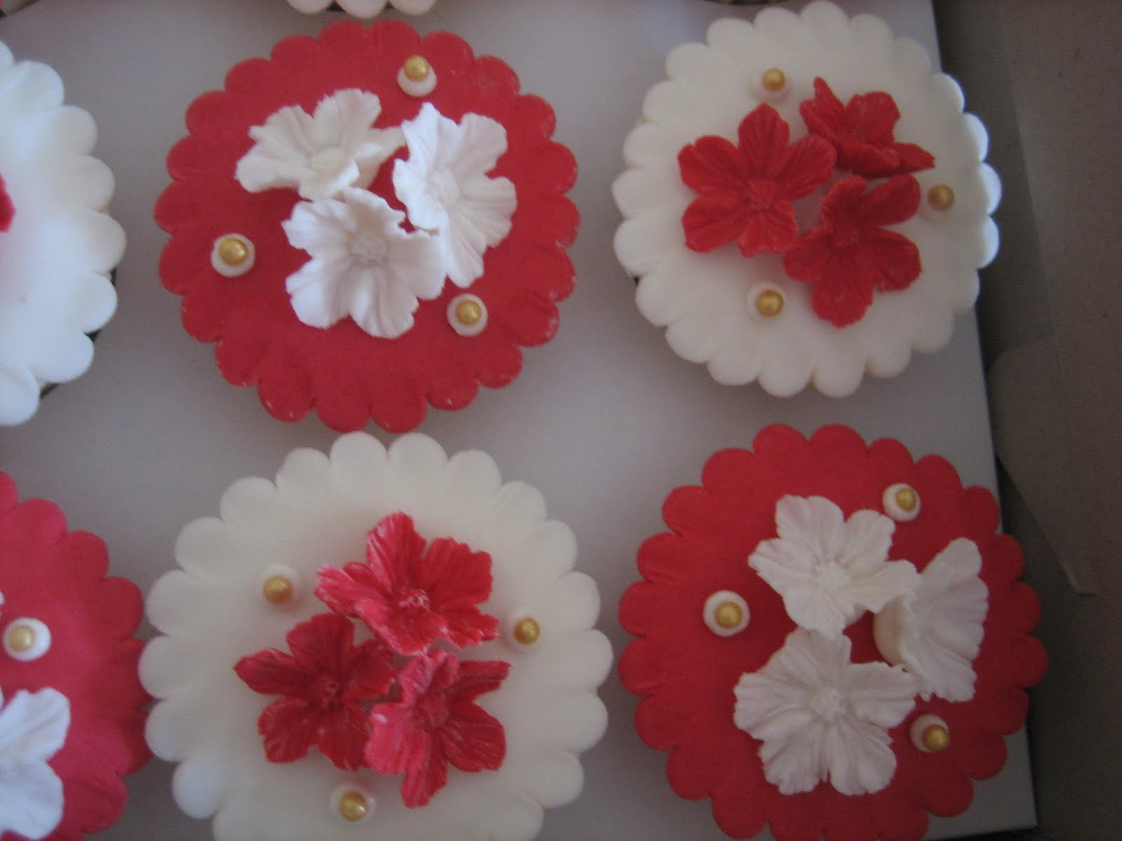 Red And White Wedding Themes