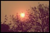 El desgaste del Sol que ya no tiene energías para iluminar, todo es culpa del ser humano.