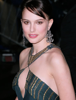 watch natalie portman checking breast wait