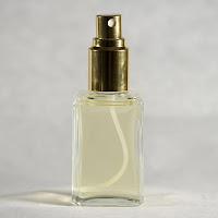 Perfume de mujer mayor