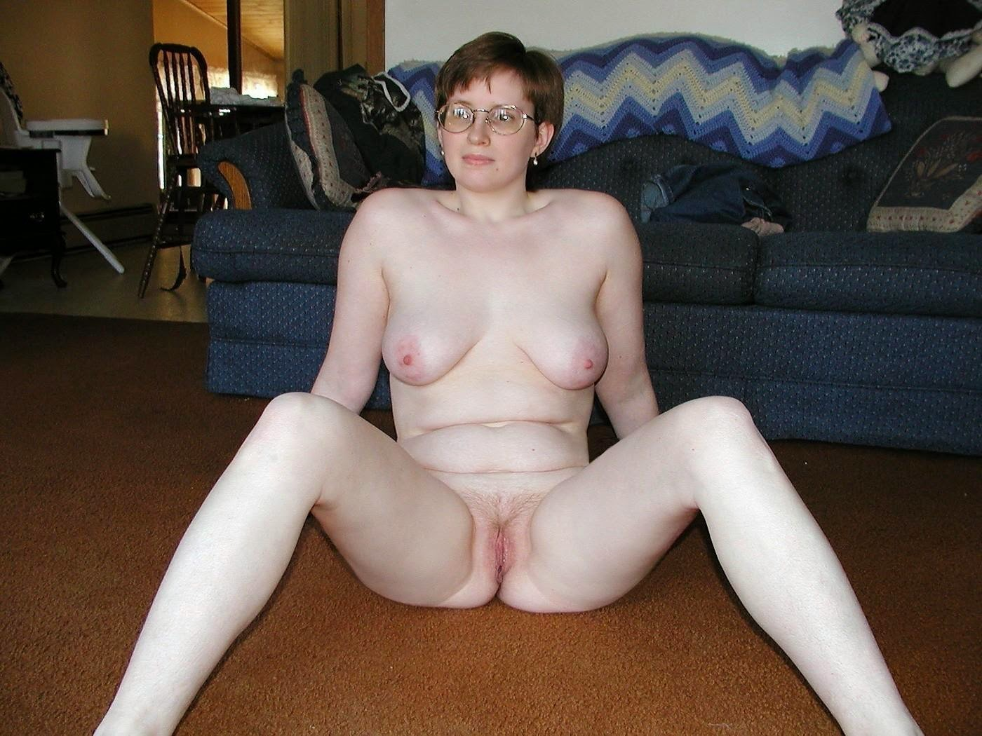 Amateur naked girl with nerd glasses
