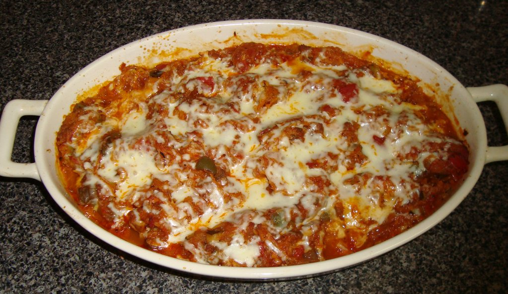 Sarah's Kitchen: Beef and Vegetable Baked Spaghetti Squash