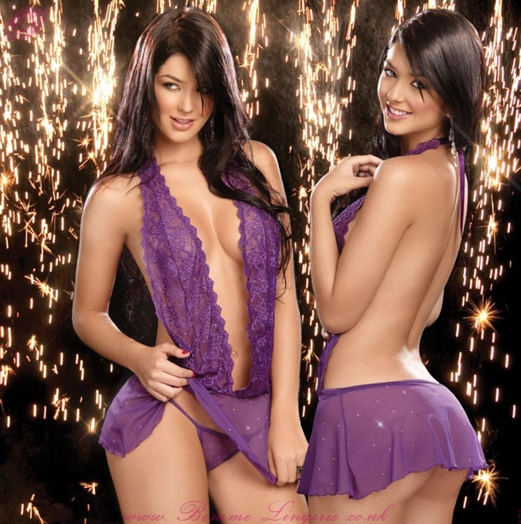 Camila & Mariana Davalos Nude Photos 14